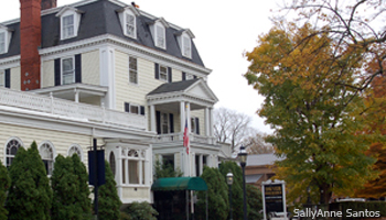 D.F. Dwyer Insurance is located in the M.K. Building, 38 Bellevue Avenue, Newport, Rhode Island